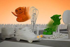 La ville en chantier, Orange et Verte glissent sur un toboggan