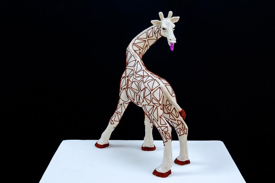Insolente II - terre cuite, fil de coton - Sculpture Anne Moreau-Vagnon