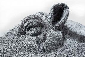 Marécage (détail) - terre cuite, billes de minerai - Sculpture Anne Moreau-Vagnon