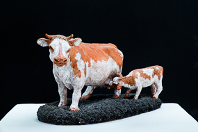 Veau, Vache - terre cuite, billes de minerai - Sculpture Anne Moreau-Vagnon