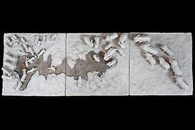 Fantômes au point d'eau - triptyque terre cuite, vernis - Sculpture Anne Moreau-Vagnon